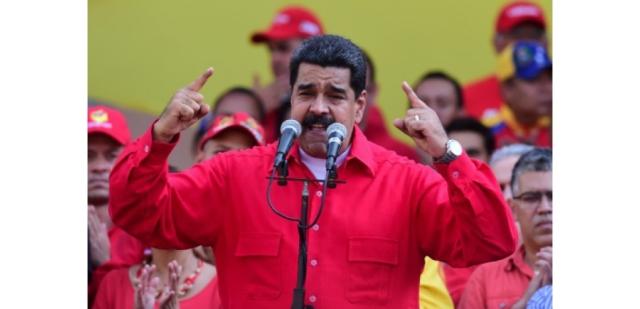 15579313-venezuela-menace-de-destitution-le-president-maduro-riposte